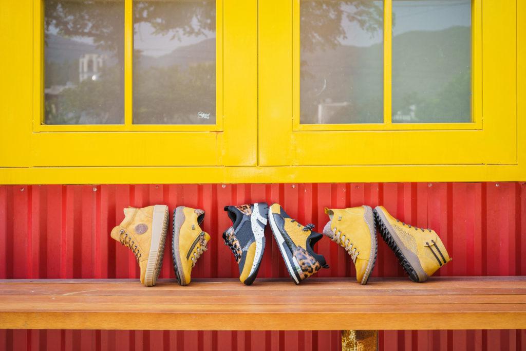 Remonte Stiefel R7992-68, R4789-68 und R1499-68, Remonte Sneaker D1402-68, D4107-03 und R2503-68
